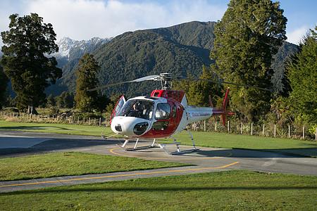 新西兰直升机飞行图片