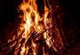 燃烧的柴火图片
