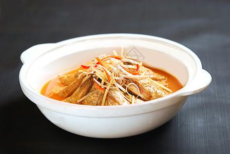 砂锅清蒸鱼裙图片