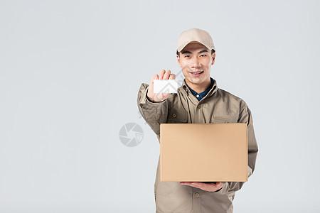 展示名片的快递员图片