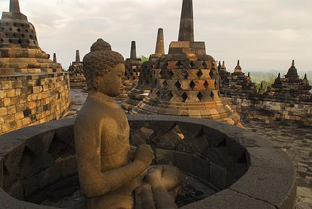 印尼爪哇岛上的婆罗浮屠佛塔图片