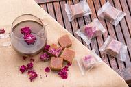 玫瑰花干和红糖相辅相成图片