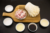 五花肉卷金针菇食材图图片