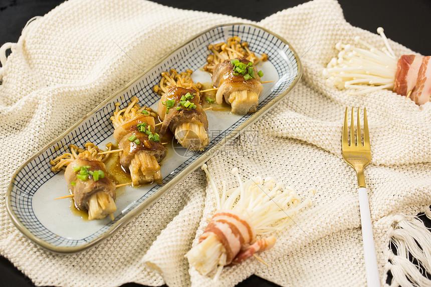 五花肉卷金针菇图片