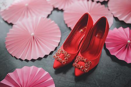 新娘的红色婚鞋图片