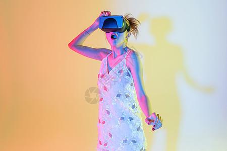 年轻女性色彩创意人工智能图片