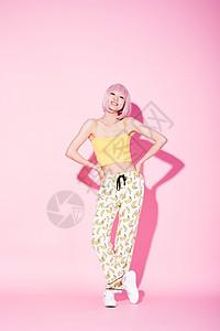 时尚俏皮活力女性形象图片