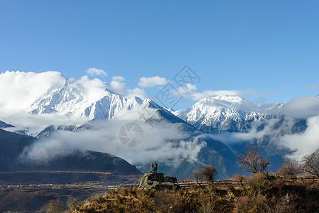 林芝雪山图片