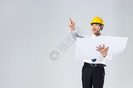 工程师观看图纸图片