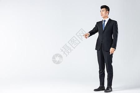 商务男士科技点击图片