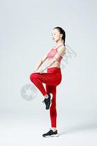 年轻女性拉伸运动图片