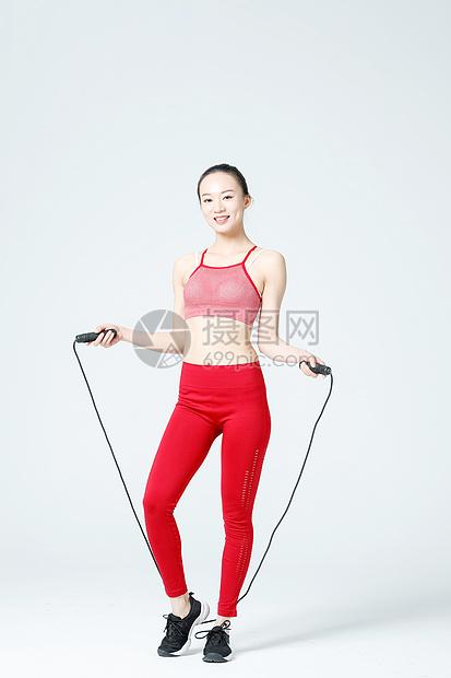健身运动女性跳绳图片