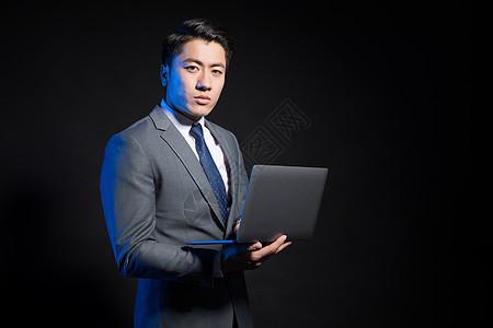 创意商务男性形象照电脑办公图片