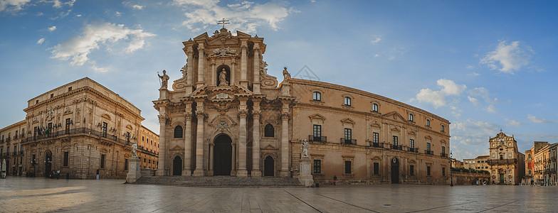西西里岛古城锡拉库萨广场全景图图片