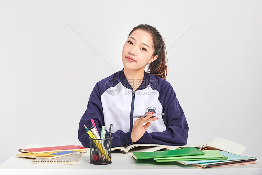 女高中生高中做v高中形象古美上海市动作图片