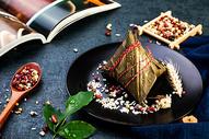 中国风端午节红豆糯米粽子图片