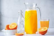 清爽纯天然夏季维生素鲜榨橙汁果汁图片