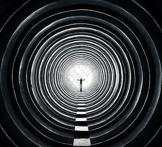圆圈中的男人图片