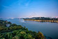 武汉东湖夜色图片