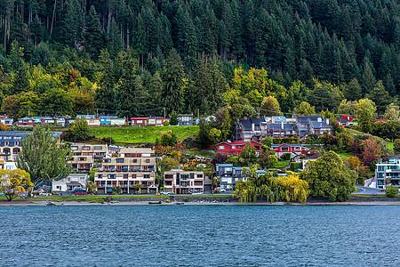 皇后镇湖边的风光图片