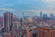 俯瞰傍晚城市建筑图片