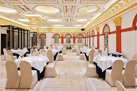酒店生日布置场景图片_宽敞的婚宴场地高清图片下载-正版图片500666595-摄图网