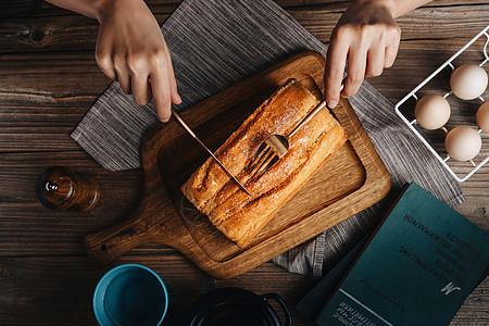 美式乡村风格早餐面包鸡蛋图片