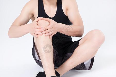 运动健身男性膝盖疼图片