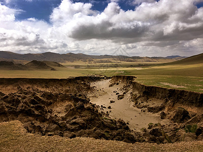 初春的内蒙古乌兰布统草原图片