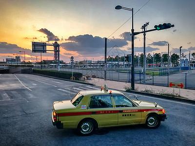 黄昏时刻的日本街头图片
