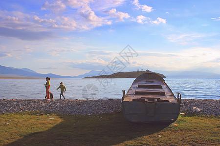 新疆赛里木湖渔场图片