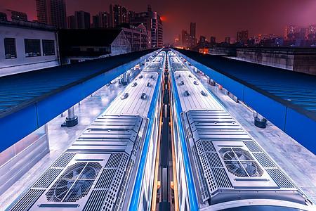 城市轨道交通夜景图片
