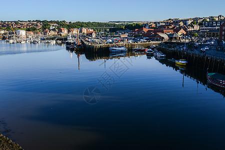 英格兰著名海港小镇惠特比图片