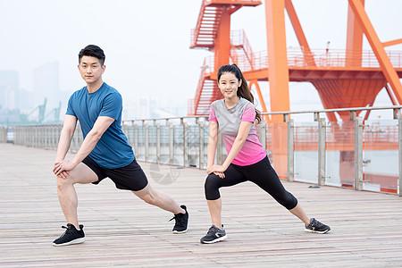 户外运动健身人像热身动作图片