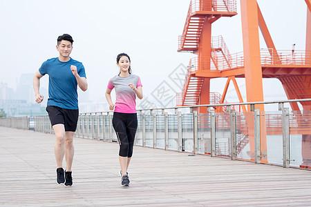 户外运动健身男女人像跑步图片