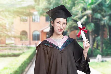 毕业的女大学生图片