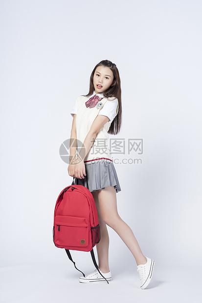 背书包的女学生图片