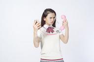 打电话的女学生图片