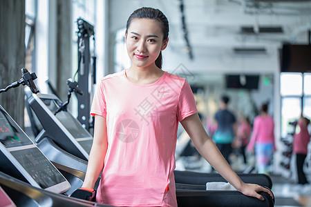 健身房运动女性图片