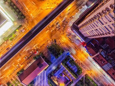 俯瞰城市交通路口图片