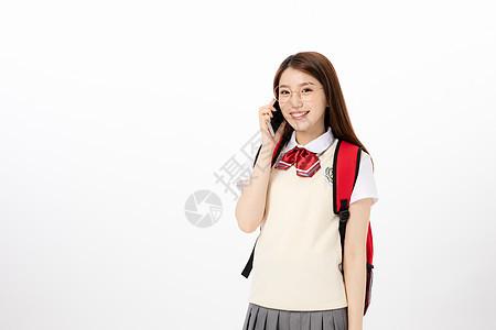 使用手机的女高中生图片