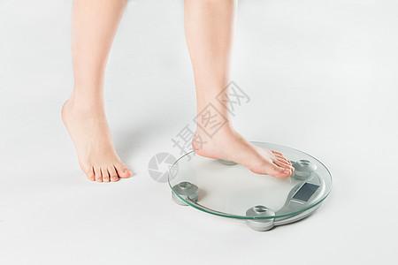 女子量体重图片