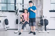 健身房运动人像形象展示图片