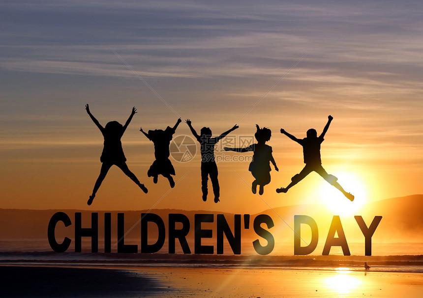儿童节一群孩子在海边图片