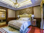 温馨舒适的家居卧室图片