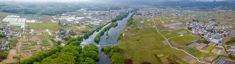 航拍安徽乡村田野图片