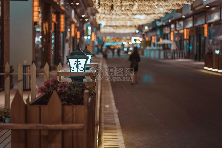 步行街道夜景图片