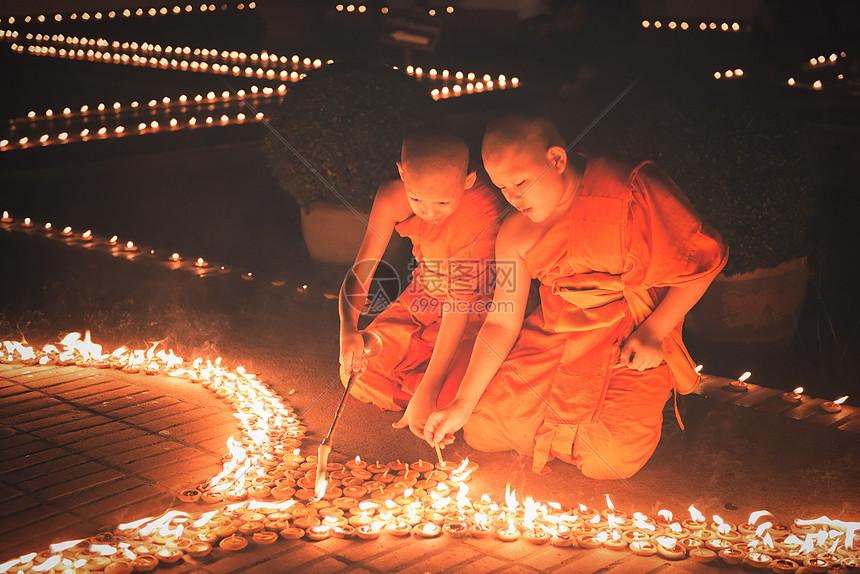泰国清迈水灯节图片