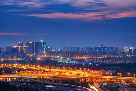 夕阳下的武汉中央商务区夜景图片