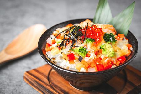 特色日式三文鱼鱼籽饭图片